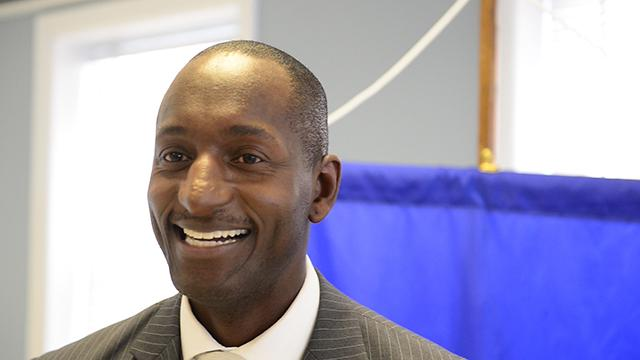 Dr Randal Pinkett, author of Campus CEO, talks to students at Berkeley College to not be afraid of failure on their path to becoming entrepreneurs.