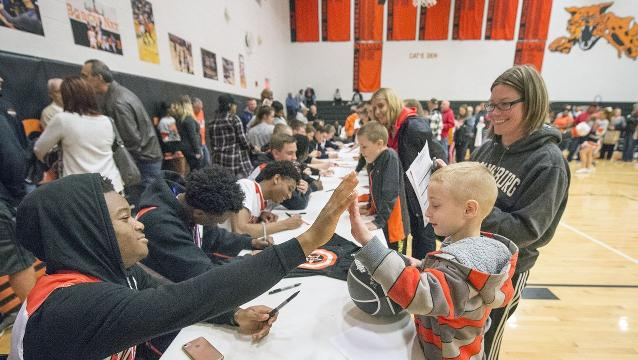 Watch: Northeastern Boys' basketball thanks fans
