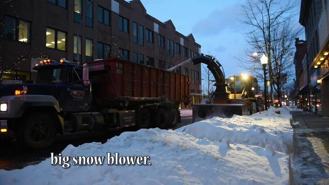 Watch: Lebanon City removes the snow from Stella