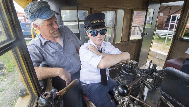Father, son team run Father's Day train on Stewartstown Railroad