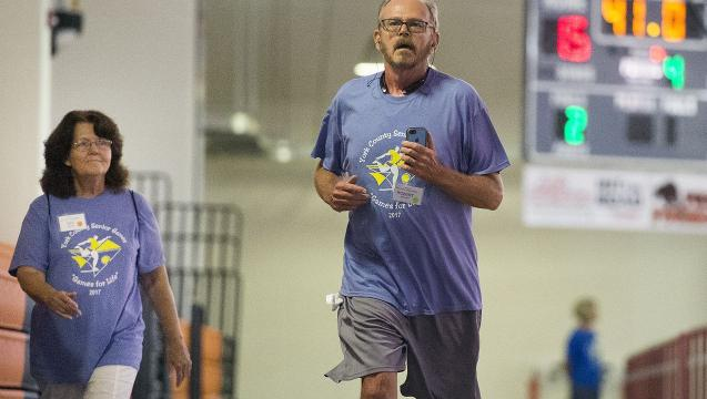 Long-time smoker, who quit, wins 5k