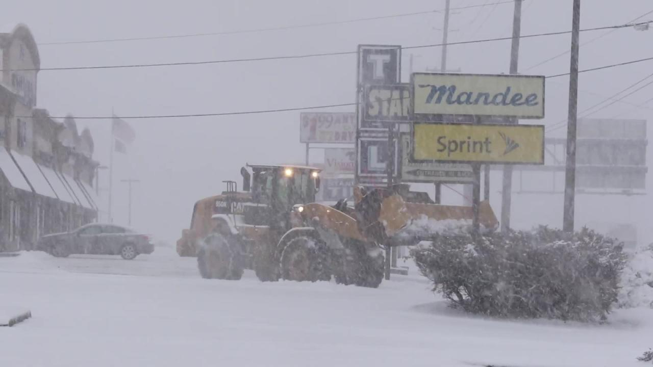 Video: Heavy snowfall in Totowa