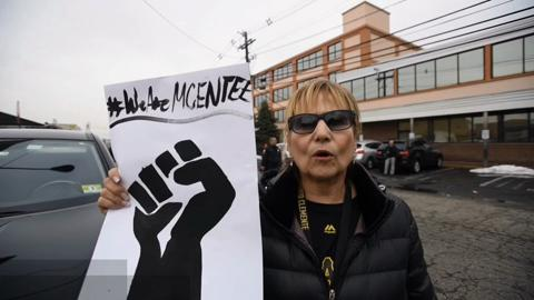 Paterson teachers union rallies behind besieged president.