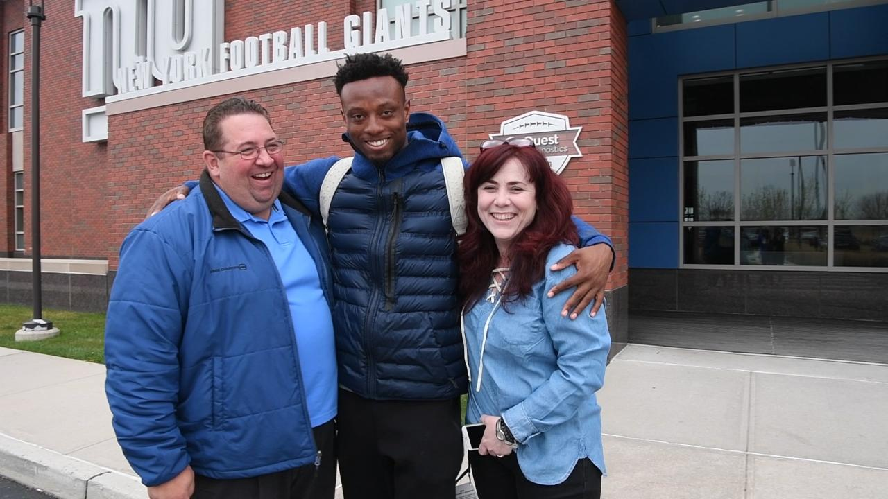 New York Giants cornerback Eli Apple crashes video of Northjersey.com's Art Stapleton and Tara Sullivan, gives his take on the Giants' draft possibilities.