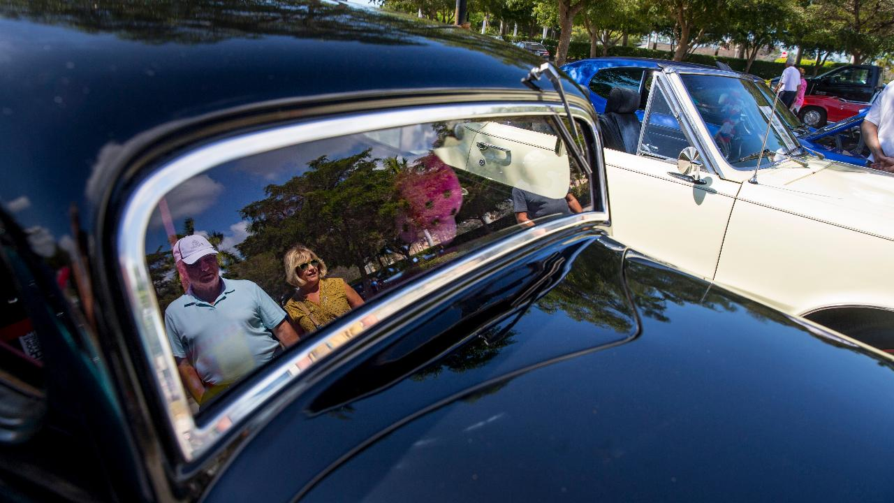 Cool Cruisers Of Southwest Florida Kicks Off Monthly Car Show At - Car show florida