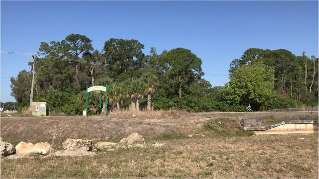 John Yarbrough Linear Park is a 6-mile paved trail that runs north to south. The trail is a multi-use trail that can be used for biking, running, walking, hiking and rollerblading. On the southernmost side, the trail is well-shaded for those who want to be out of the sun.