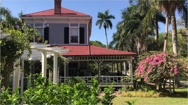 There are nine historic buildings and 21 acres of botanical gardens at the Edison and Ford Winter Estates. On the property is the Edison Ford Museum and Edison's Botanic Research Laboratory which holds many artifacts and inventions.
