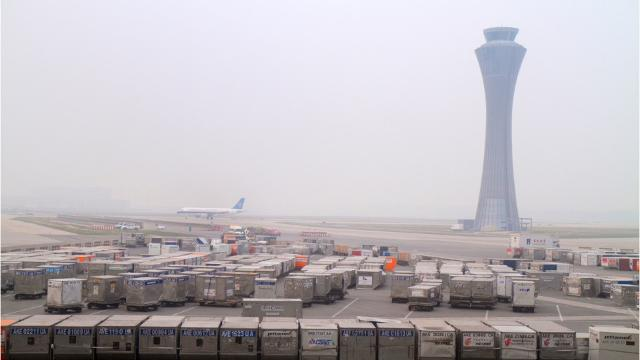 The chances that the federal government could hand off the U.S. air traffic control system to private management are increasing, say advocates who report they are getting supportive feedback from President-elect Donald Trump and his team.