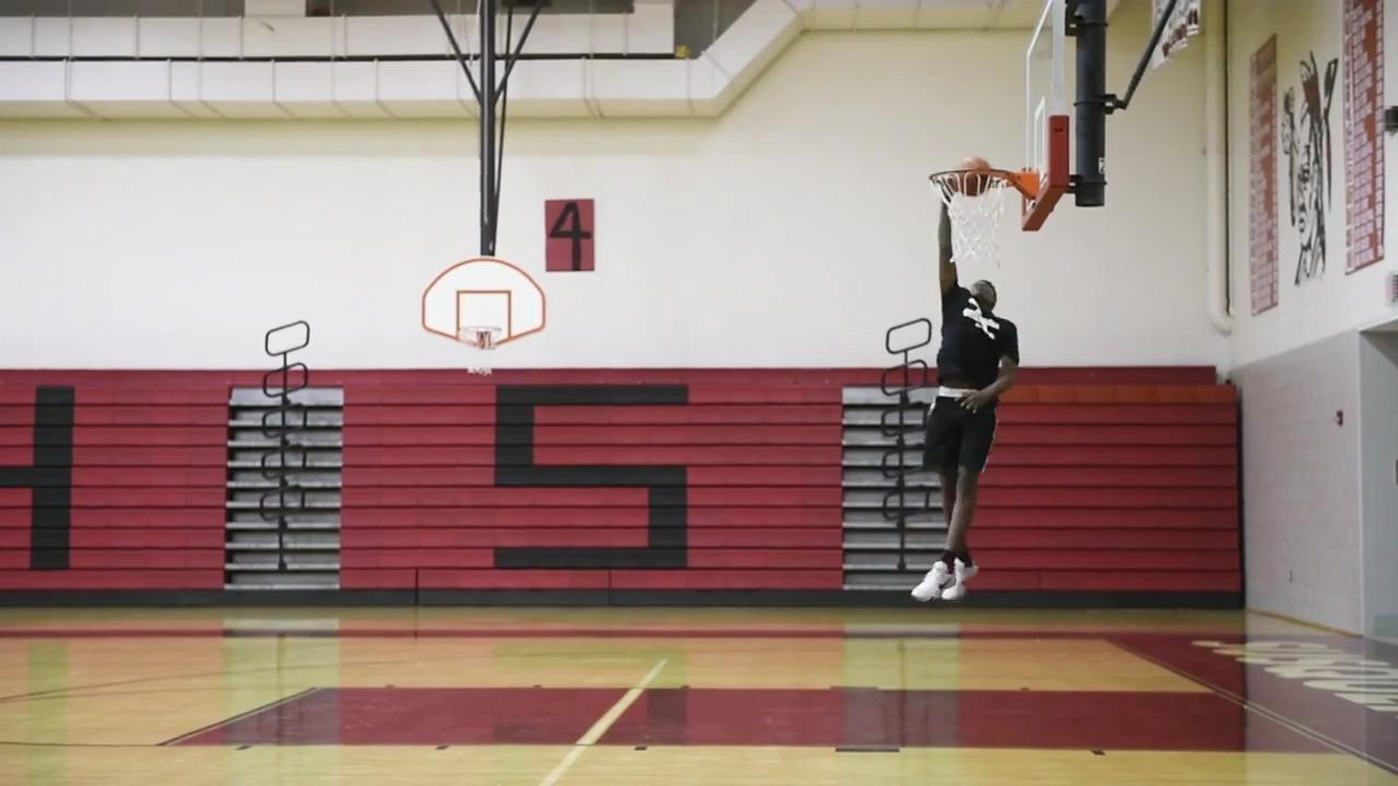 Watch: The seventh-grader who can dunk